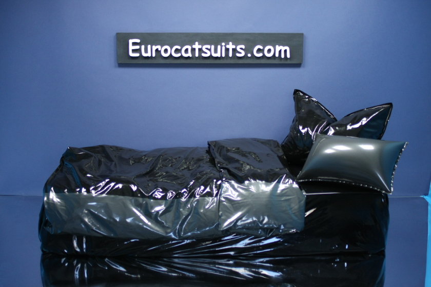 latex bedding - black / metallic pewter