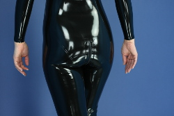 made-to-measure latex catsuit - zipper in crotch , 2 sliders