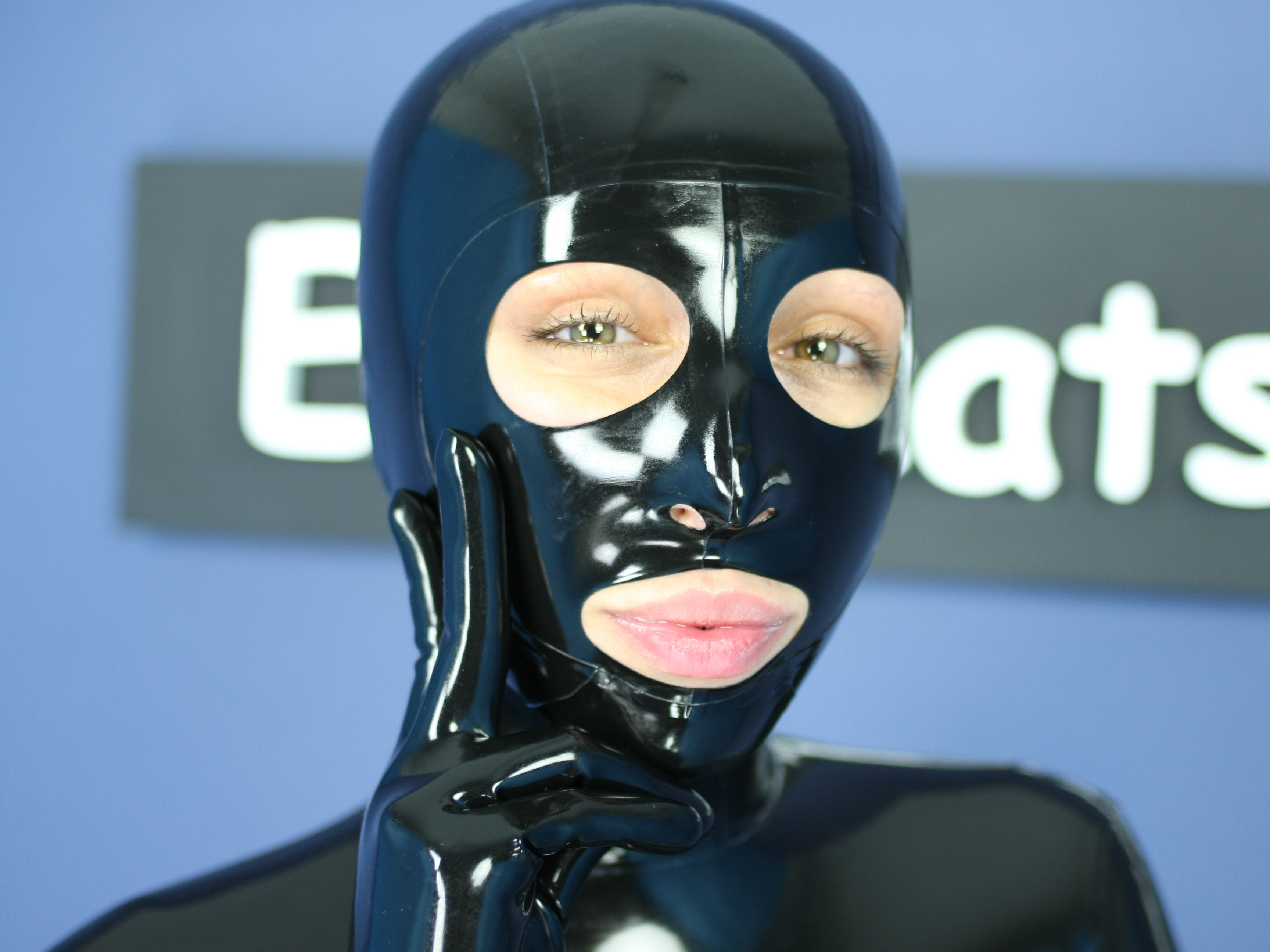 Latex mask how